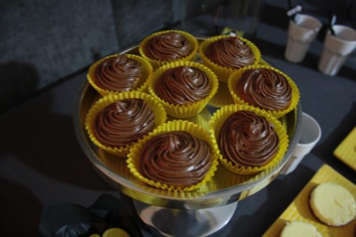 cupcakes chocolat jaune yellow
